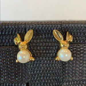 💐5/25 bunny rabbit faux pearl Avon gold tone